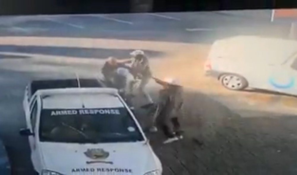 News24.com | WATCH | Two arrested for attempted murder of Joburg security guard