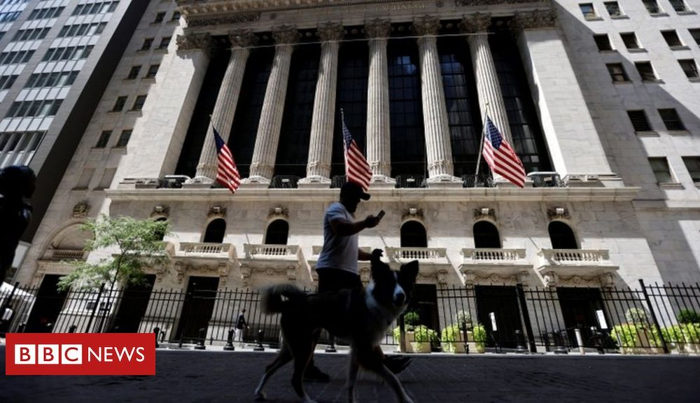 US stocks hit new high after coronavirus crash